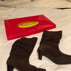 9.5 Talbots Ruched Boots-Brown Suede